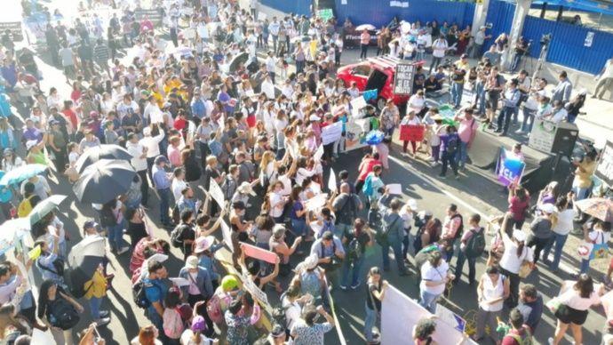 #TocarNiñasSíEsDelito: Protestan frente a juzgados contra fallo de Cámara a favor de magistrado Escalante