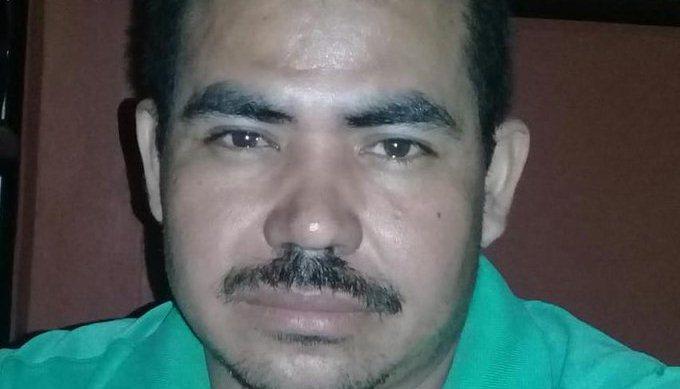Hombre es arrestado por agresión de menor de edad y posesión de pornografía