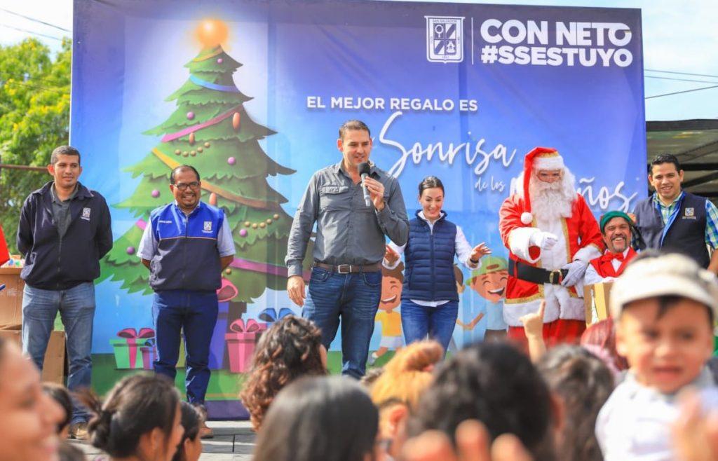 Alegría y regalos comparte Alcalde Neto Muyshondt a cientos de niños de San Salvador