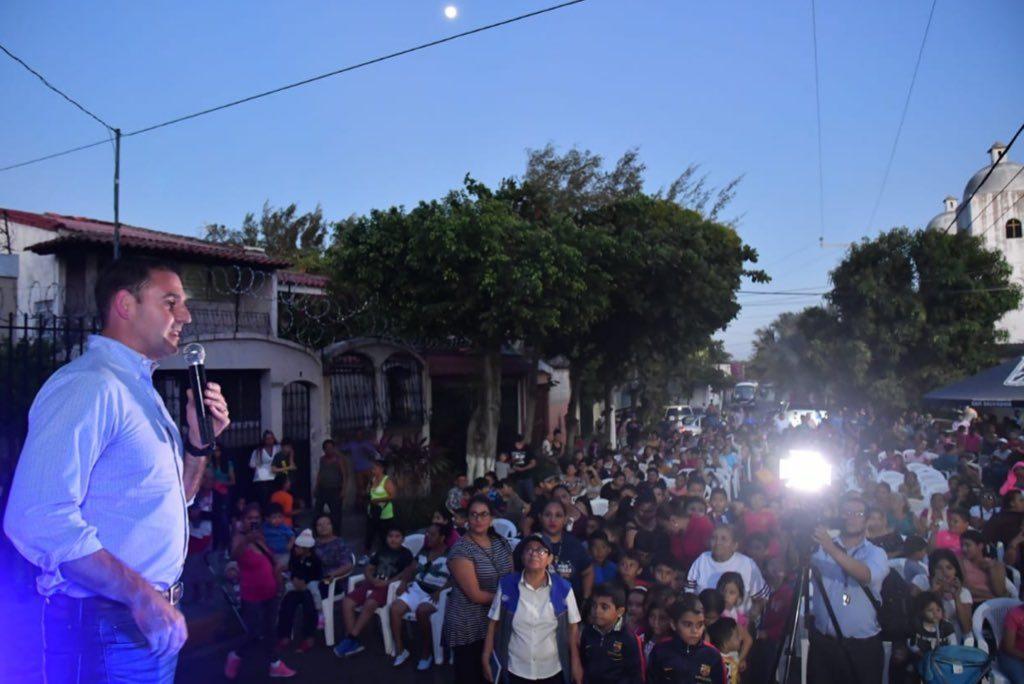 Fiesta de Reyes Magos en la colonia Guatemala gracia a Neto Muyshondt